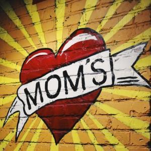 抗議デモと暴動の違い:ポートランドの「母の壁」Wall of Moms が撃たれた。