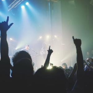 グレートフル・デッド Grateful Dead知ってる?即興演奏のロックバンドだ