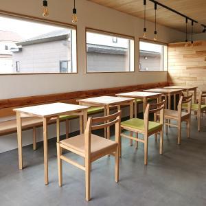 白樺材をふんだんに使用したカフェがオープンします!