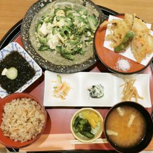 【那覇空港】和食と沖縄料理あだんのうちなー御膳(ゴーヤチャンプルー)