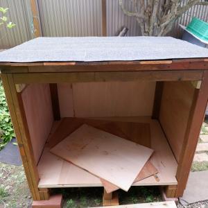収納口が広く、コンパクトで大収納の物置小屋が欲しい! 2日間で廃材と残材でDIYしてみた! 収納口は・・