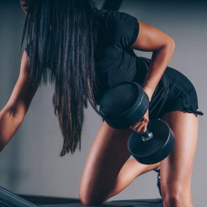 ベンチプレス好きにおすすめの筋トレ 胸、肩、3頭は大きくなるけどバランスが悪い・・ 体力がないをカバーしたい!