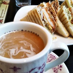 カフェでひと休み