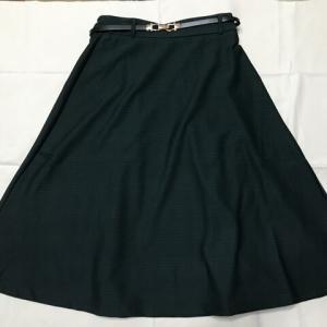 """スカート選びは""""丈""""が最優先条件です。"""