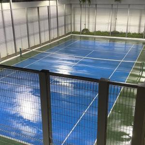 雨の日のテニス活動
