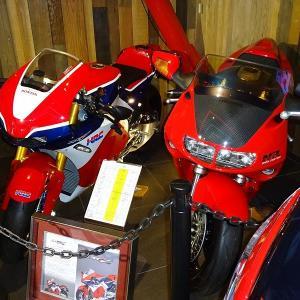 2000万円のバイクと500万円のバイク。