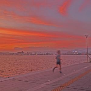 宍道湖 走る人と夕景
