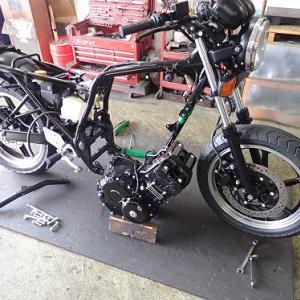 ジェイド250:エンジン搭載・キャブレターセット・その他諸々