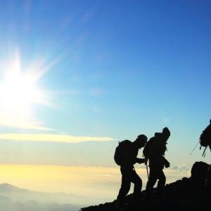 【悲報】世界の登ると危険な山ランキング