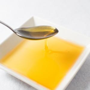 脂質 油です。大事な燃料です。血やDNAの原料になります。オイリーでコッテリ栄養素。