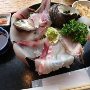 かっ🎵かっ🎵海鮮丼🎵 &庭いろいろ