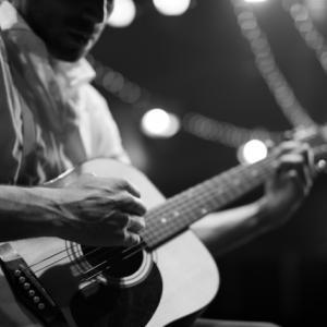 ギター回顧ロック(ギターの起源、名手はどんなギターを使ってる?)