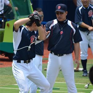 井上打撃コーチ