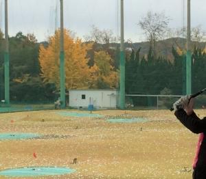 紅葉は間もなく終わりそうだけど ゴルフ上達に終わりなし…だね(^_^)