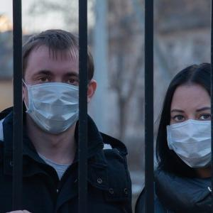 マスクを求めて