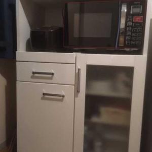 電子レンジ台DIY改造【後編】位置を低く便利&スッキリ収納,キッチンボード・食器棚