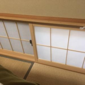 窓の断熱で寒さ対策 冷気・隙間風を防止 DIY断熱シート 和室寝室の地窓