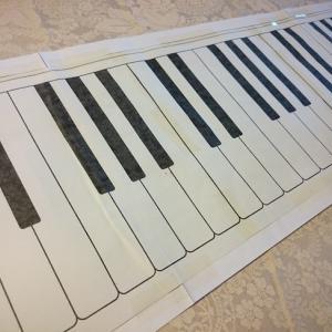ピアノ練習用の紙鍵盤を作成。