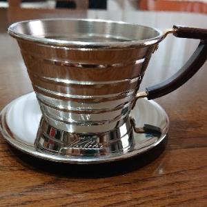 《カリタ  ウェーブドリッパー》コーヒールアクのコーヒー器具紹介