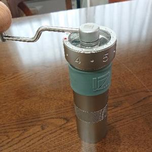 《高級ハンドミル 1Zpresso》コーヒールアクのコーヒー器具紹介