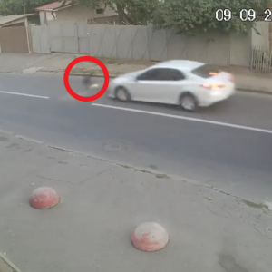 【奇跡】車に撥ねられた少年、無傷で生還