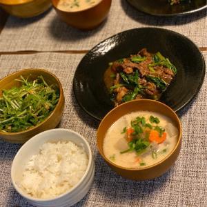 牛肉と小松菜のオィスター炒め ◇採れたて野菜どっさり◇