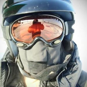 フェイスマスクをしてバイクに乗るのは、夏でも冬でもおすすめ