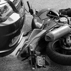 バイク保険の人身傷害は生命保険でカバーできないのか?