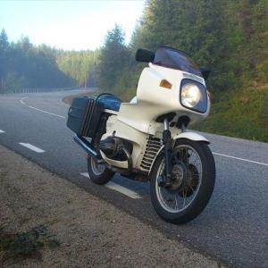 BMWのビンテージバイクに乗り、最新のホンダをほめる!【エンスーのすすめ】