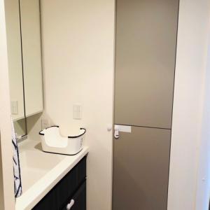 追加棚板で洗面所の収納量アップ\(^ω^)/