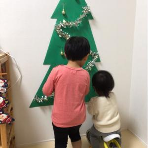 子供部屋もクリスマスに♡子供と一緒に100均でお手軽〜(´∀`*)