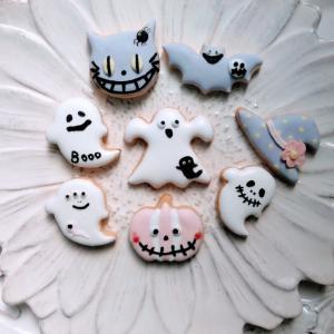 Let's make Halloween cookies❣