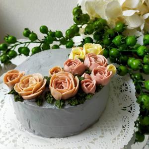 「天然色素のフラワーケーキ」