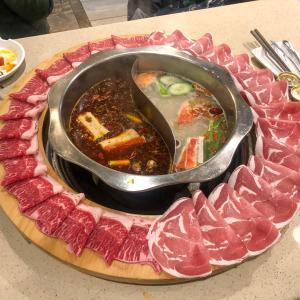 【Liuyishou Hotpot】寒い冬を乗り切る火鍋【ダウンタウン・バンクーバー】