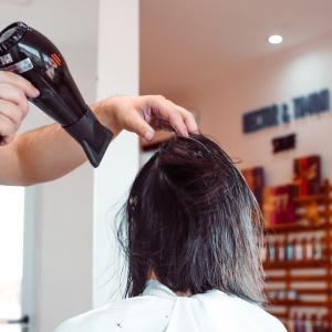 実際どうなの?美容師が復元ドライヤーProを解説!効果は嘘!?