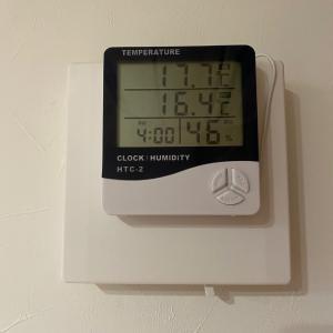 室内外の温度計をつけた