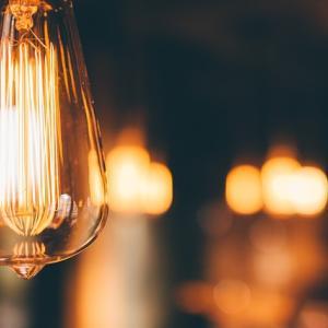 照明の光の色はどのように使い分けるか?適材適所をお教えします