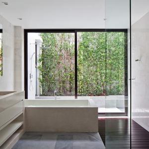 バスコートで豊かな浴室を