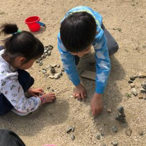 【自宅で過ごそう】庭で出来るちょっとした遊びで大人も子供も大盛り上がり!?どこでも出来ちゃうゲームを紹介をします☆