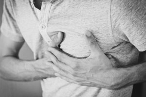 心臓の痛み 狭心症と心筋梗塞への対処