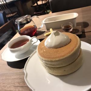 銀座の隠れ家的スフレパンケーキの店「椿サロン」