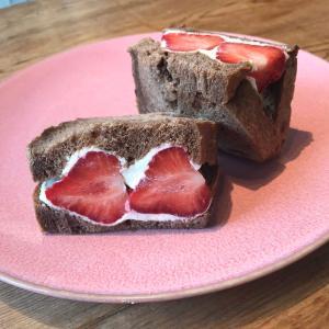 サンドイッチは生食用のパンで作るべき!乃木坂・バイキング