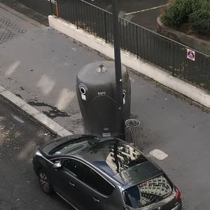 騒音よりも効率重視…これぞフランス流・空きビン回収法
