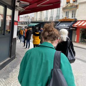 観光客ゼロのパリでわかった、パリっ子が本当に並ぶ店&買うケーキ