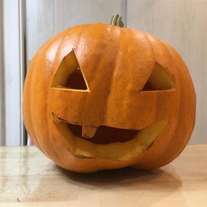 ハロウィンのジャックオランタンを子どもと作ってみよう!