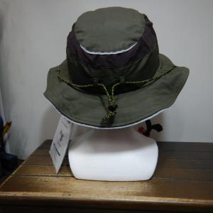 ハット型のヘルメット