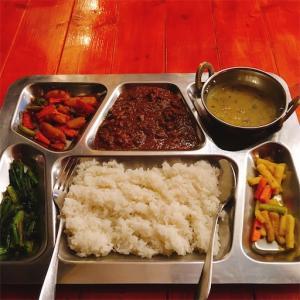【高輪ゲートウェイ・泉岳寺】「レッサムフィリリ」ネパール・チベット料理店でダルバート食べました