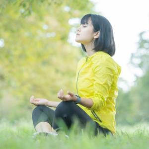 ヨガの呼吸法で人生が変わる?!イライラ・緊張した時にオススメ!【腹式呼吸の効果とやり方】