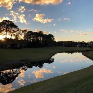 ペンサコーラ・フロリダ州でゴルフ合宿 4ラウンド目 Emerald Bay Golf Club 日没迫る…