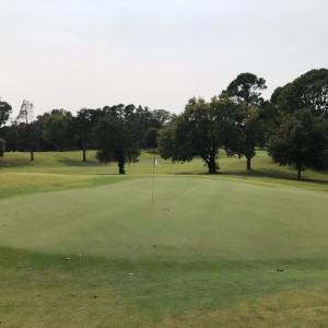 ゴルフ 新しい課題が出てきたようです。前傾角度とトップのクラブの関係